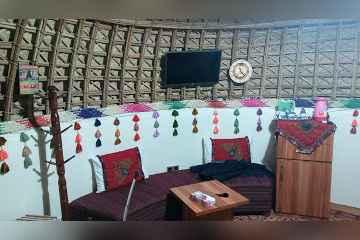 آلاچیق سازان بلوچ در قلعه گنج