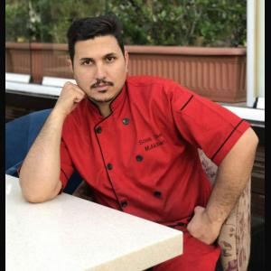 سرآشپز بین المللی محمد اکبری