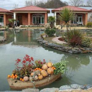 هتل و مجموعه گردشگری مزرعه قوها در لاهیجان