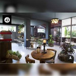 کافه رستوران آس پونک در تهران