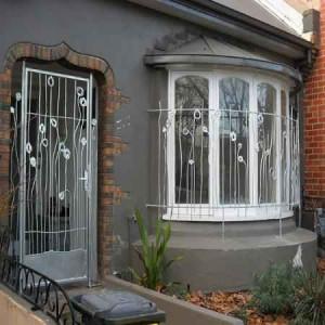جوشکاری و ساخت درب و پنجره فلزی عزتی